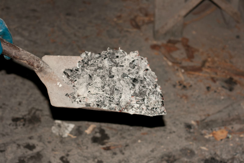 Fireplace Ash Shovel Part - 36: How To Safely Remove Ashes